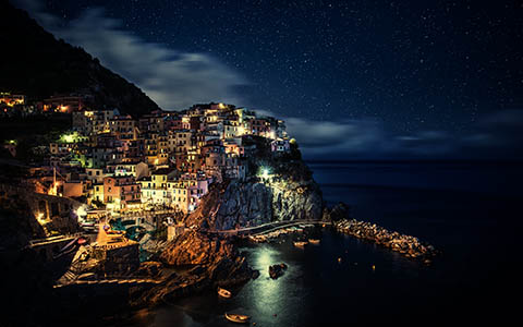 High-resolution desktop wallpaper Manarola Night by Dominic Kamp