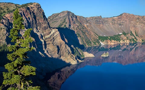 High-resolution desktop wallpaper Crater Lake East by Robert Bynum