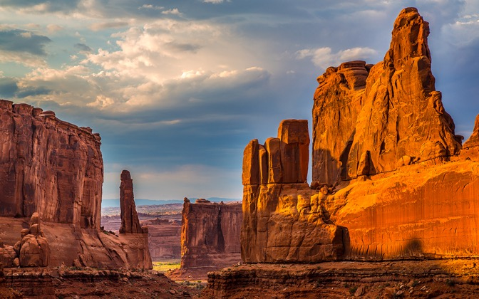 High-resolution desktop wallpaper Arches Park Avenue by Robert Bynum
