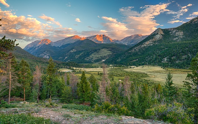 High-resolution desktop wallpaper Rocky Mountain Sunrise by jbkalla