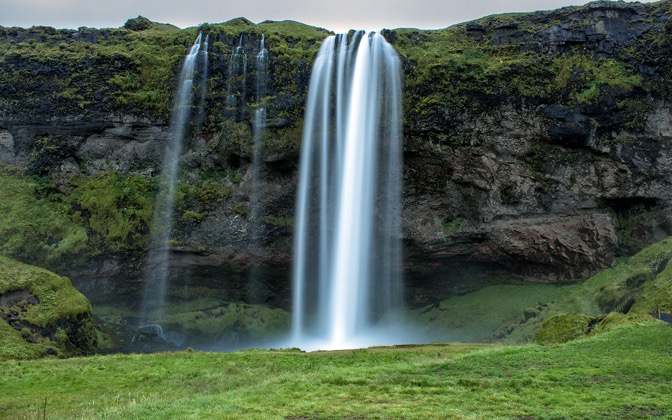 High-resolution desktop wallpaper Seljalandsfoss waterfall by nikonja