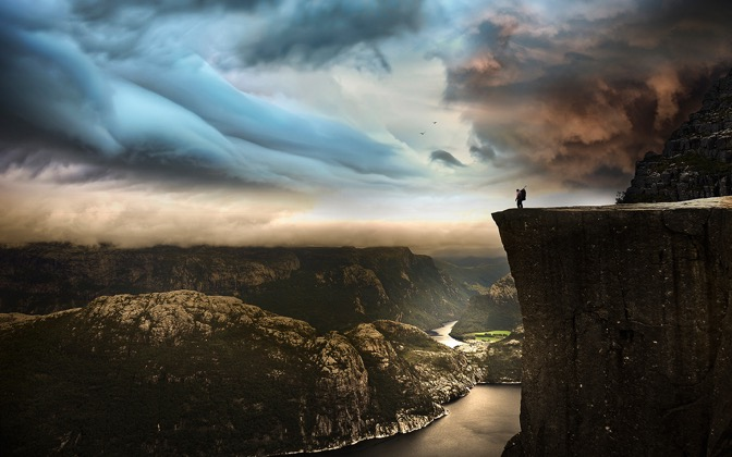 High-resolution desktop wallpaper Preikestolen, Norway by Robin Kamp