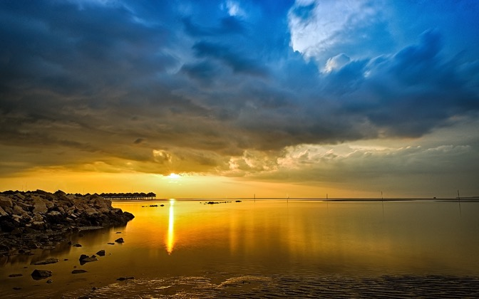 High-resolution desktop wallpaper Sepang Gold Coast by Adam Mokhtar