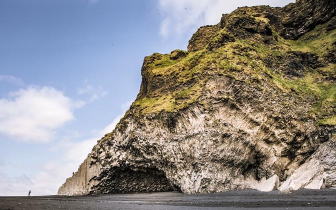 High-resolution desktop wallpaper Iceland Dyrholaey Cave by Julian van Dieken