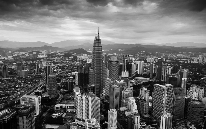 High-resolution desktop wallpaper Petronas by Larsz
