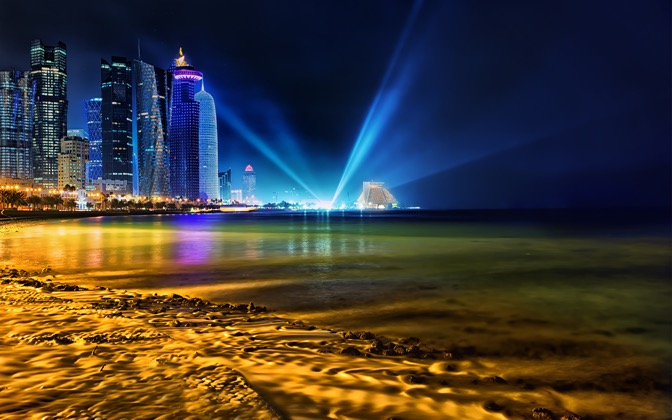 High-resolution desktop wallpaper Qatar Shining by Nicolas Kamp