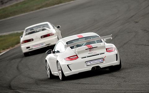 High-resolution desktop wallpaper Porsche 997 GT3 by skopusnik