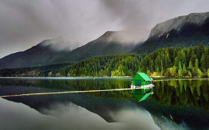 High-resolution desktop wallpaper Floating Cabin by Mohsen Kamalzadeh