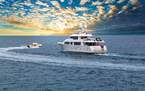 High-resolution desktop wallpaper Yacht Sunrise by Robert Bynum