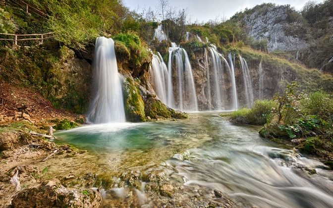 High-resolution desktop wallpaper Plitvice - Secret Waterfall by satyros
