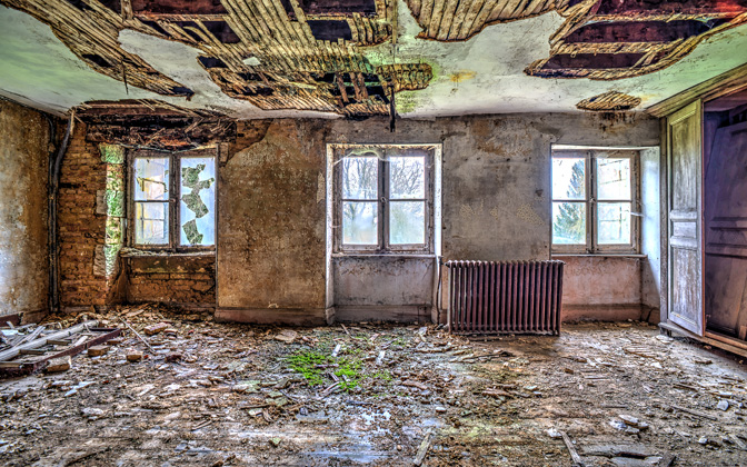 High-resolution desktop wallpaper Decay by picturbex