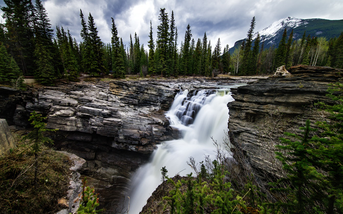High-resolution desktop wallpaper Athabasca Falls by Mohsen Kamalzadeh
