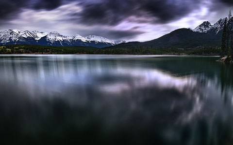 High-resolution desktop wallpaper The Lake of Darkness by Mohsen Kamalzadeh