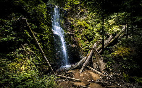 High-resolution desktop wallpaper Berry Creek Falls by Emmanuel Iarussi