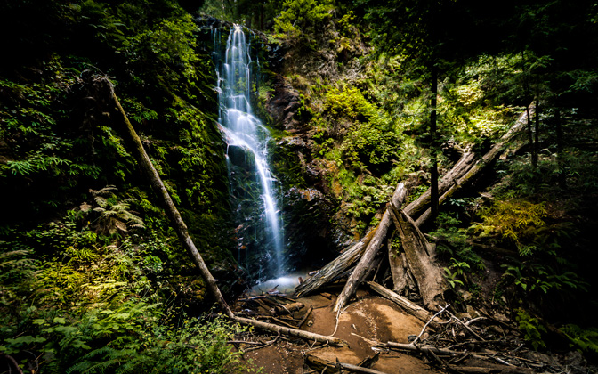High-resolution desktop wallpaper Berry Creek Falls by Emmanuel Iarussi