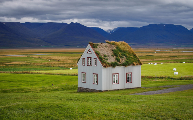 High-resolution desktop wallpaper Icelandic Sod-House by Bluro