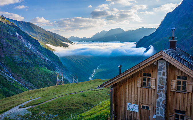 High-resolution desktop wallpaper Taschachhaus in Pitztal by Tako van Midwoud