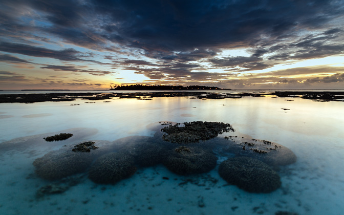 High-resolution desktop wallpaper Coral Maldivian Sunset by andrewsparrow