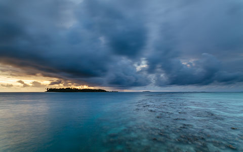 High-resolution desktop wallpaper Maldivian Sunset by andrewsparrow