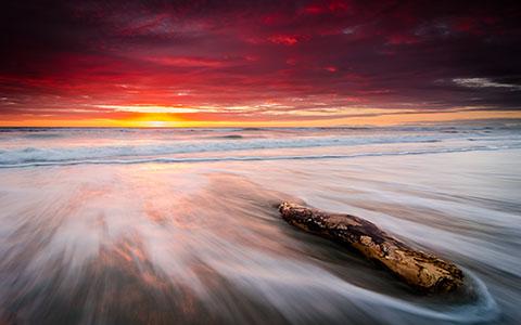 High-resolution desktop wallpaper First Light - Leithfield Beach by tizzards