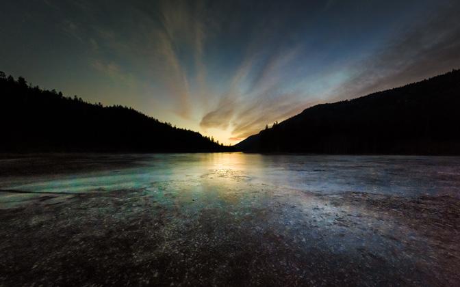 High-resolution desktop wallpaper Frozen Reservoir by NaOH