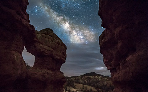 High-resolution desktop wallpaper Milky Way on The Rocks by brennanvisuals