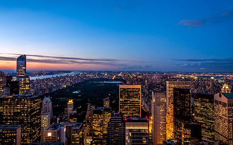 High-resolution desktop wallpaper New York Skyline at Dusk by Piri Anant