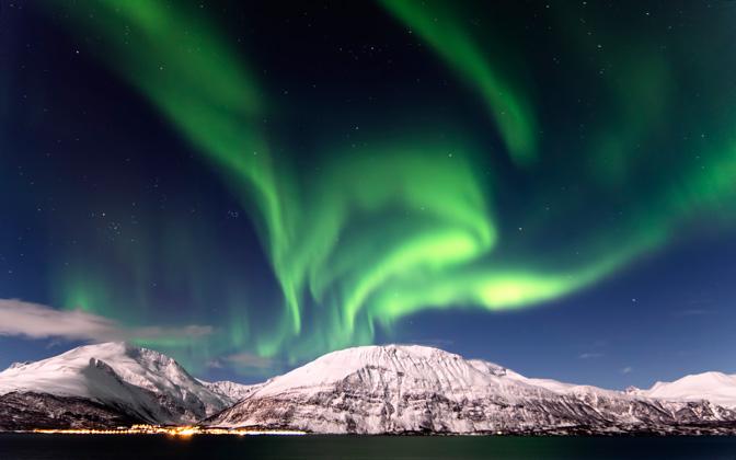 High-resolution desktop wallpaper A Tale of the Northern Lights by Nitrogliserin