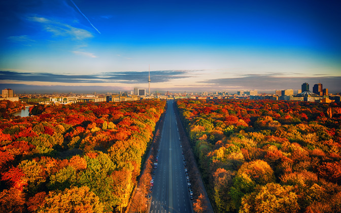 High-resolution desktop wallpaper Autumn Capital by Nicolas Kamp