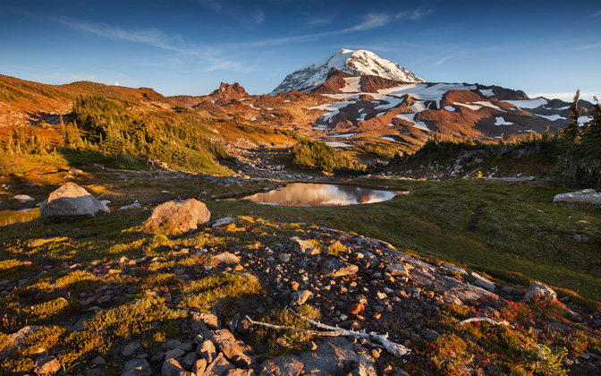 High-resolution desktop wallpaper Mount Rainier by TheWanderingSoul
