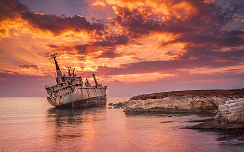 Shipwrecked wallpaper